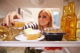 8 Habits You Develop After Living Alone For a Long Time!!
